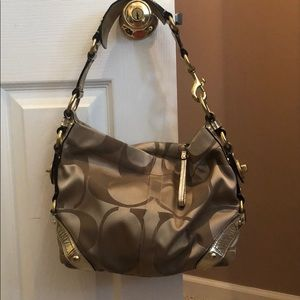 Authentic COACH pocketbook in great condition!